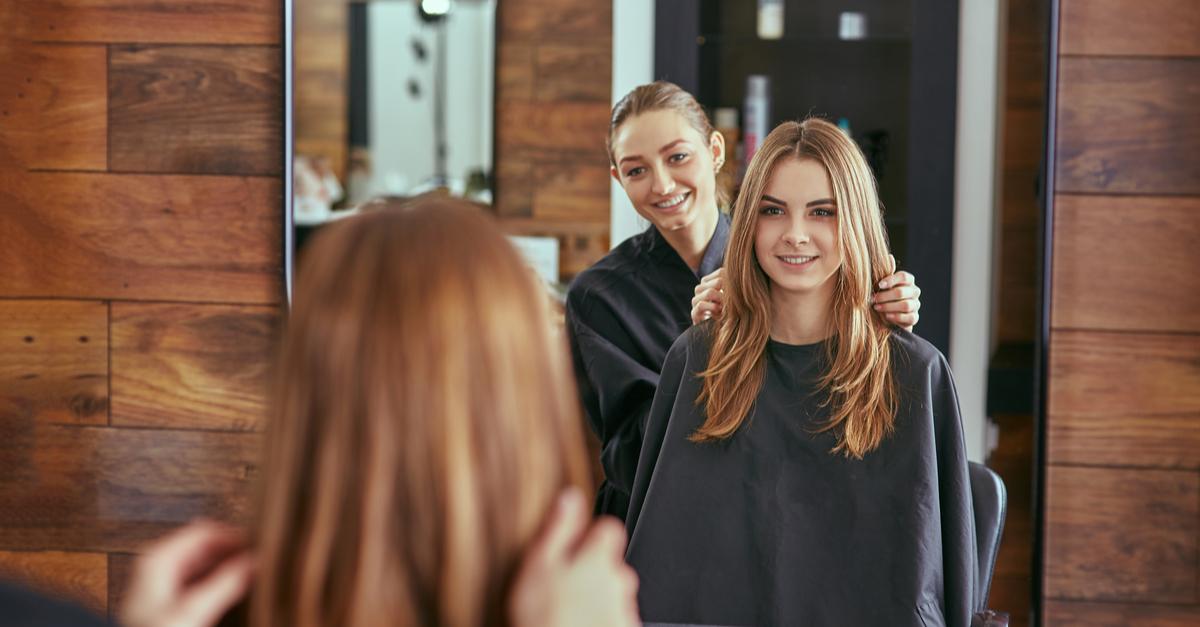 salon_suite_stylist_with_client